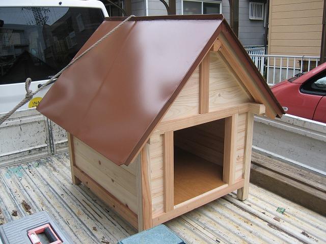 手作り犬小屋です(笑)
